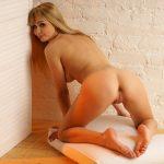 Hot_blondeRoza83